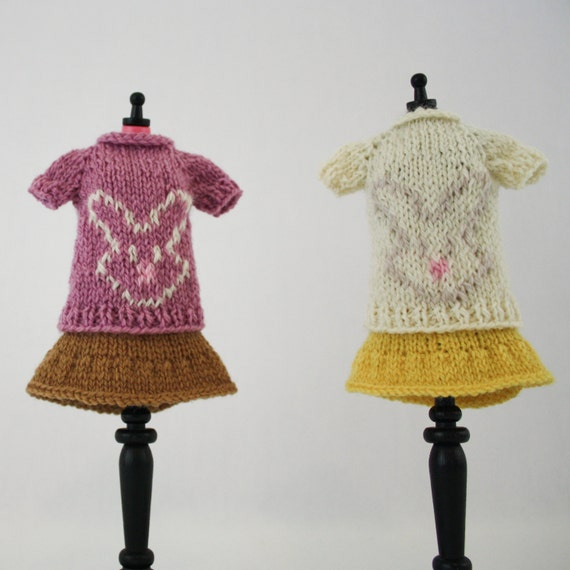 Rabbit Sweater Knitting Pattern : Blythe doll bunny sweater knitting pattern cute rabbit