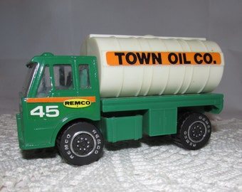 Vintage Remco Toy Town Oil Co Tanker Delivery Truck, Green, 1988, collectible