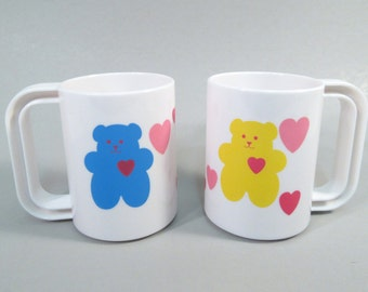 Vintage 1980's mugs, plastic mugs, teddy bear heart mugs, 1980's teddy bears, coffee mugs