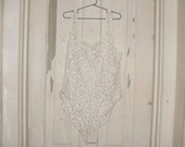 Vintage White Sheer Lace Bodysuit tank style stretch snap crotch sz M - Lagenlook sexy tramp Mori rocker Lolita pin up vamp Dance Club Rave