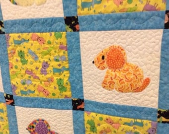 Puppy dog quilted appliqued patchwork quilt