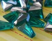 Christmas in July Sale - Vintage Glass Jewels - 12x9mm Teal Keystone (7-2B-12)
