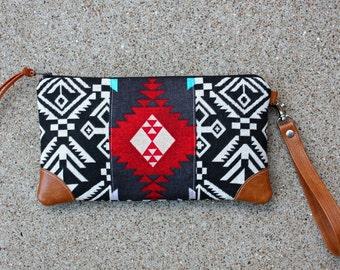 Clutch / Southwestern Tribal Style Fabric Wristlet
