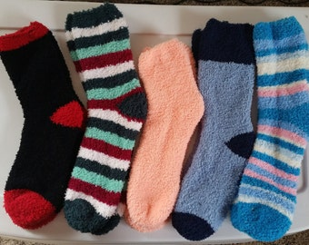 5 pairs of fuzzy socks what you see is what you get