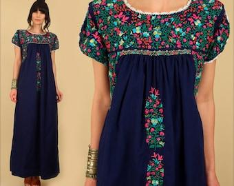 ViNtAgE 60's 70's Floral Oaxacan Mexican Embroidered Maxi Dress // Cotton Handmade Artisan Hippie BoHo Wedding Medium/Large