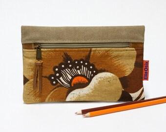 Floral zipper pouch - retro pencil case - 70s makeup bag