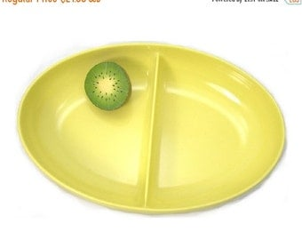 Melamine Yellow Bowl, Watertown Divided Oval Vegetable Bowl in Sunny Yellow, Retro Kitchen Collectible, c1960s