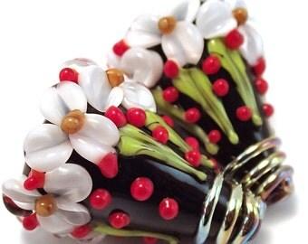 Trillium and Holly Matching Cones