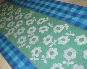 Vintage MOD 60s Green Flower and Blue Gingham Motif Beach Towel by Jay Franco