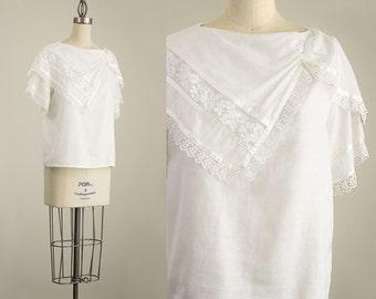 70s Vintage Gunne Sax White Cotton Lace Trimmed Blouse / Size Small