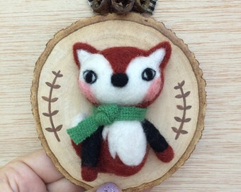 Woodland Needle Felted Mr. Fox on a Woodslice frame - Handmade, One of a Kind, Quirky, small art sculpture by ValsArtStudio