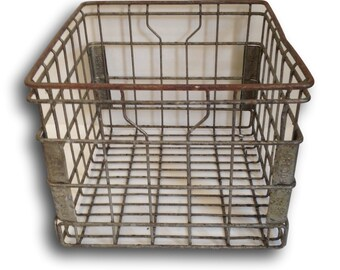 Vintage Wire Milk Crate / Dairy Basket by Dean Foods