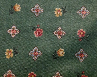 4 Yards of Vintage Green Floral Print Cotton Fabric (VIP Cranston Print Works)