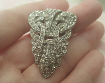 Beautiful Art Deco Knot Dress Clip