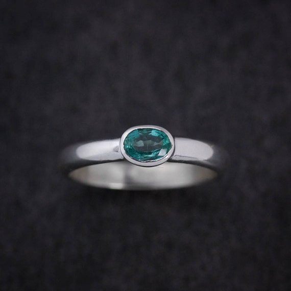 Colombian Emerald Ring, Low Profile Comfort Fit Band, Oval Emerald Gemstone Band Ring, Silver Rings
