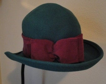 Christmasinjuly SALE Vintage Laura Ashley hat, Forest Green soft wool with wine color band and bow, Made in Great Britain, 21.5 inch inside,