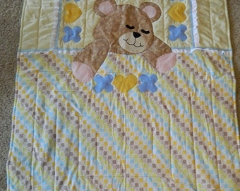 Sleepy Bear quilt, blue and yellow