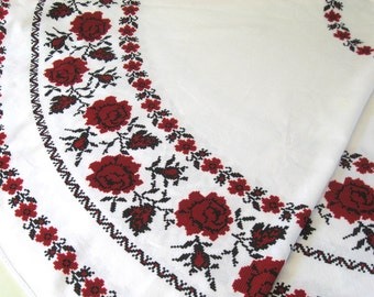 red rose tablecloth . round tablecloth .  round linen tablecloth .  red rose round tablecloth . round fold tablecloth
