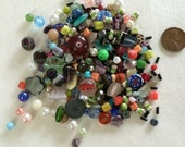 Various loose beads H4