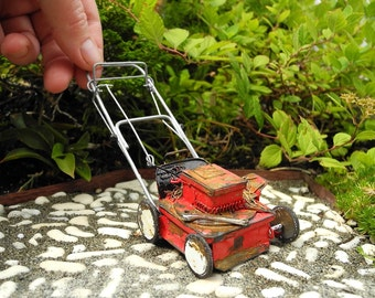 Ye Olde Lawn Mower for Miniature or Fairy Gardens, Rebuilt Motor, May Not Run