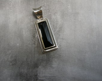 vintage onyx and sterling pendant with hinge, faceted onyx stone, set in sterling silver, hinged, slender rectangle