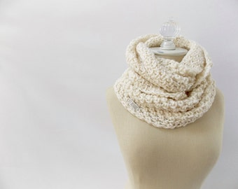 Chunky infinity scarf / #1016 / fisherman ivory / vegan / handmade / knit / crochet / fall winter 2016
