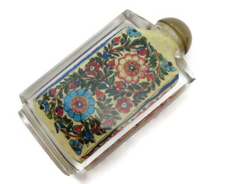 Reverse Painted Glass Snuff Bottle - Chinese