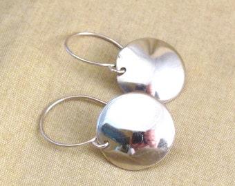 Silver Minimalist Earrings - round earrings - silver minimalist - shiny earrings - circle earrings - silver circle - modern earrings