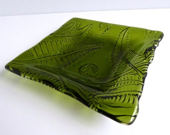 Fused Glass Fern Imprinted Dish in Fern Green by BPRDesigns