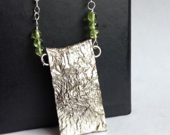 Reticulated Silver Necklace with Peridot - August Birthstone - Mother's Day - Modern Minimal Jewelry - Modern Jewelry