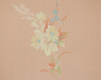 1930's Vintage Wallpaper Pretty Floral Bouquets on Peach