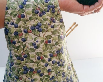 """Project Bag: """"Blueberry"""" wristlet pouch lets you tote your knitting, spinning, sewing wherever you go!"""