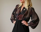 1970s Ball & Chain Blouse >>> Size Extra Small to Medium