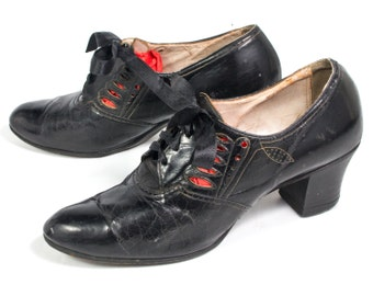VTG 30's Black Leather Art Deco Pumps size 6 - 6 1/2 Lace Up High Heel Oxfords Leather Cut Work Pieced Peekaboo Stacked Wooden Heel