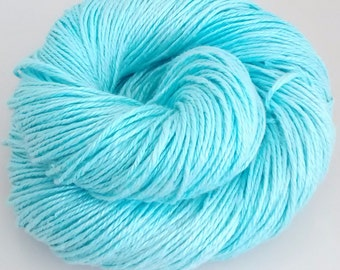 Hand-dyed linen yarn, DK, double knitting, Aquamarine.