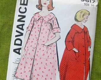 Vintage Sewing Pattern 1960s Misses' Robe Bathrobe Housecoat / Advance 9617 / Size 12, 14, 16 / Uncut FF