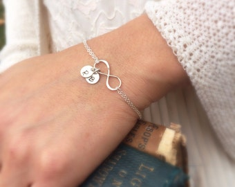 Personalized Infinity Bracelet, BEST FRIENDS, Mothers bracelet, Sterling silver Initial bracelet, Family initials, sisters, Bridesmaid gift