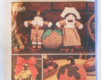 Pilgrim Dolls, Pumpkin, Leaves and Fall Crafts Sewing Pattern Simplicity 7188 UNCUT