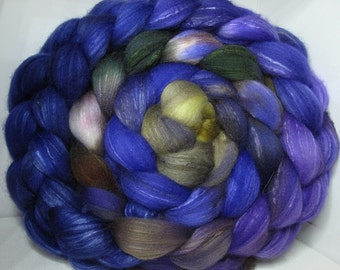 Organic Polwarth/Bombyx 80/20 Roving Combed Top 5oz - Windswept Waves 1