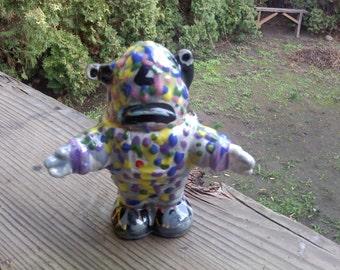FREE SHIPPING moon man robot ceramic alien (Vault A)