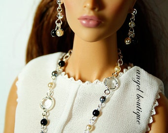 Delicate Long Necklace Links with Swarovski Crystal and Glass Pearl. Set Completes with Matching Earrings.