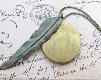 Large Feather Locket Necklace, Long Feather Necklace, Oval Photo Locket Necklace, Vintage Style Locket, Feather Jewelry