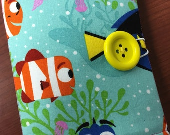 Coloring Wallet - Finding Dory All Smiles, Crayons and Paper Included
