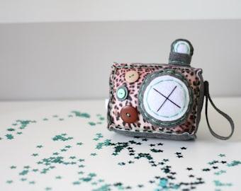 Leopard Mint Plush Camera