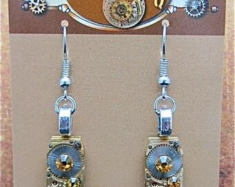 Steampunk - Oro Con Moto  - Steampunk Earrings - Repurposed art