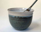 Speckled White and Blue Gray Food Prep Bowl, Ships Fast Rustic Stoneware Mixing Bowl, Whisking Bowl, Deep Bowl, Kitchen, Pho Bowl