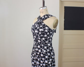 Black and White DRESS / 1970'S Cross Front Summer Dress / Vintage Women's Cotton Maxi