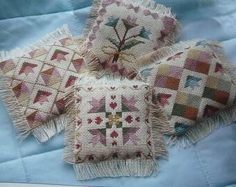 Vintage - Bucilla Quilt Block Sachets - Cross Stitch Kit - Tulips # 5741 - NEW