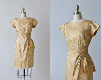 Gold Lame 1960s Wiggle Dress / Shimmering Details