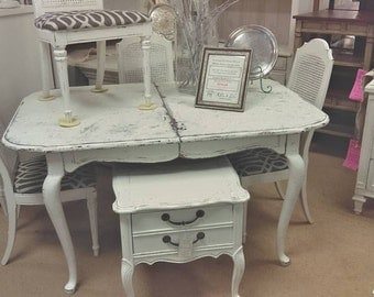 Dining Table with 4 Chairs, Distressed White Cottage Style - Shabby Cottage Farmhouse Chic